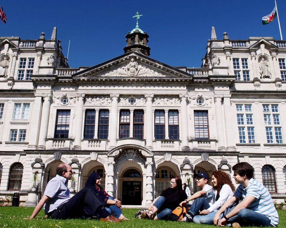 美国和英国留学申请流程