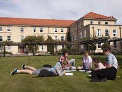 新西兰留学一年需要多少钱【一年费用】
