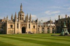 英国留学一年40万够吗【一年费用清单】