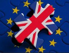 英国留学专业和学校哪个重要?